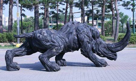 Скульптура из покрышек